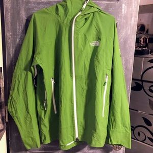 The north face hyvent 2.5l jackets sz lg